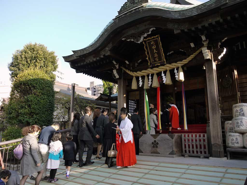 社殿正面からの昇殿期間は10月14日〜12月6日